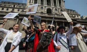 women-on-banknotes-protest-guardian-pic